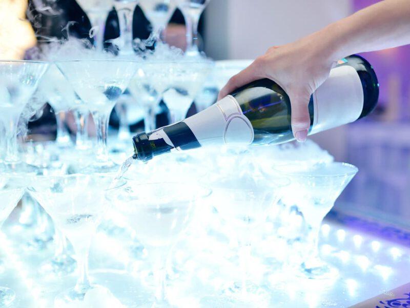 Drinki na weselu? – barman czy drink bar